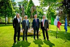 L'Ufficio del Governo ceco ha ricevuto la Scultura dell'amicizia italo-ceca